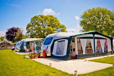 Camping and Caravanning Holidays Offer Cheap Alternatives