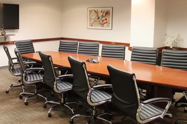 Ways A Small Business Can Benefit From Conference Room Rentals